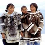 Inuit traditional clothing, seal and caribou, photo by Ansgar Walk, 1999, Wikimedia.