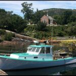 Lobster Boat at Camden, Maine, Robert Swanson (Ryssby), 2005, Wikimedia photo.